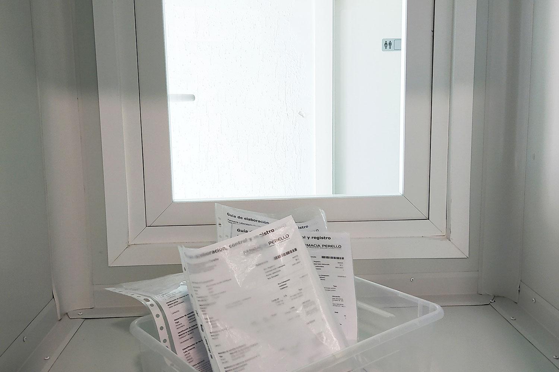 medicamentos-caja-transparente-laboratorioperello